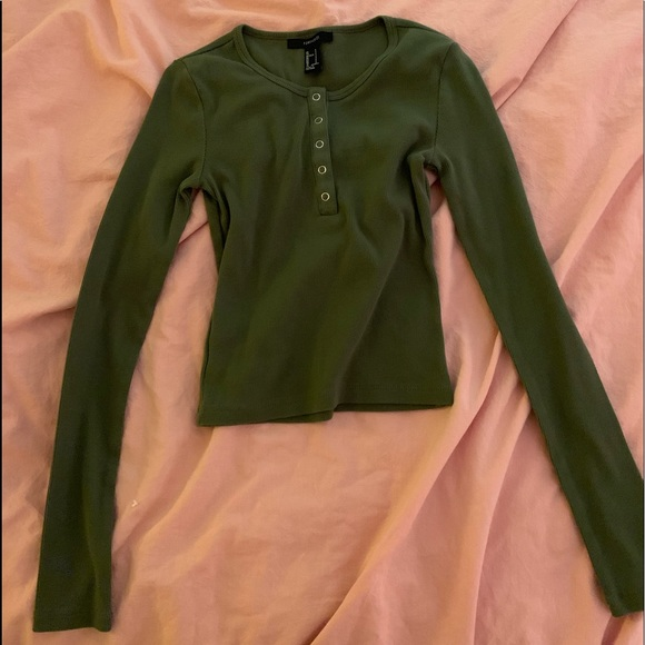 Forever 21 Tops - Green crop top from forever 21
